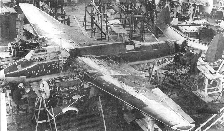 Tupolev «103U» in assembly shop of a factory # 156, spring of 1941