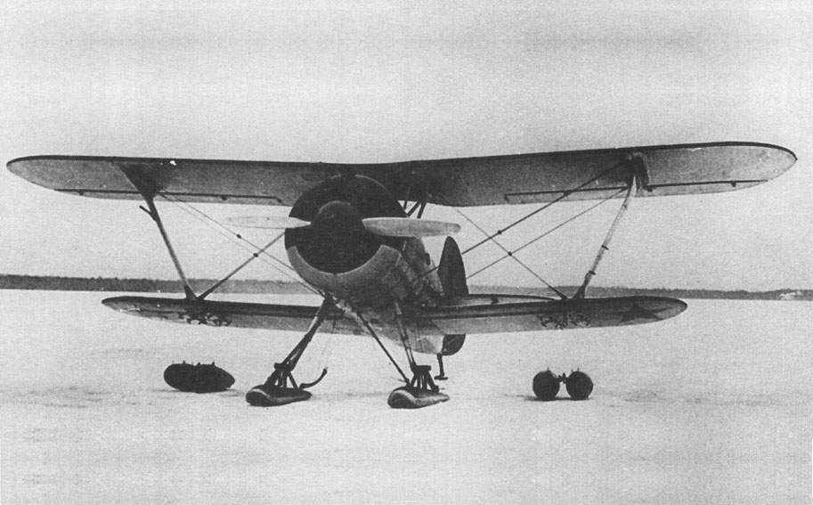The I - 15bis #3615 with 50-liter fuel tanks
