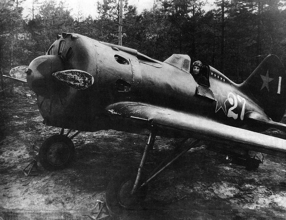 Leutenant Krichevskiy in his I-16 type 24 with white victory markings