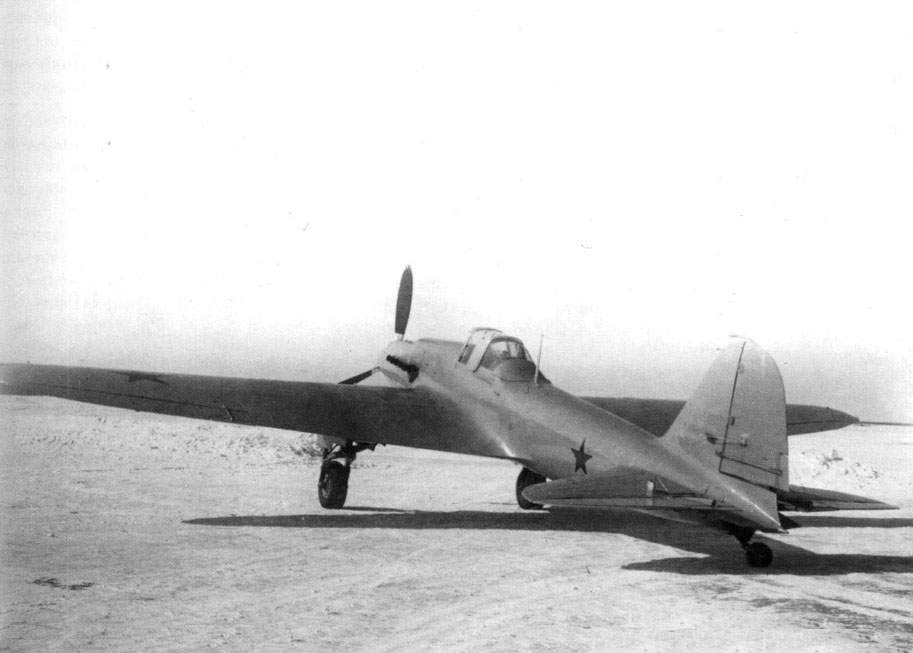 The Il-2 AM-38 (BSh-2 No 2) armored attack aircraft during State acceptance trials in March 1941