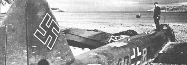A Ju 88A-5 (4D+RN) from 5/KG30 Detachment after an emergency landing on the shore of Motovskiy Gulf, 16 September 1941