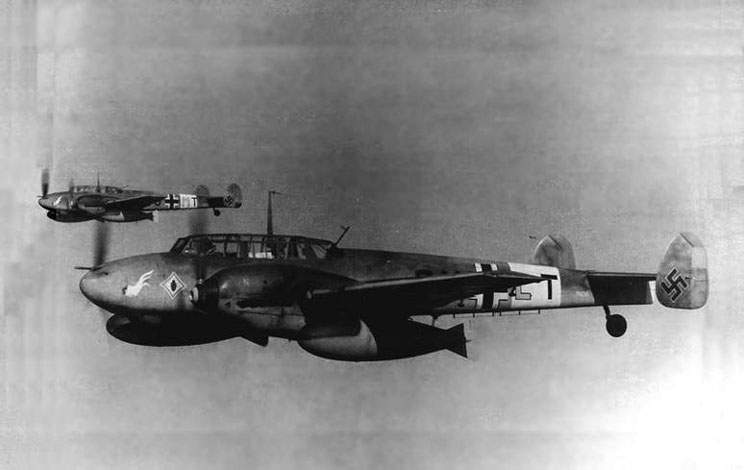 Bf  110D-3 (W.Nr.3406, 3U+LT) from 9./ZG 26 over the Mediterranean, summer 1941
