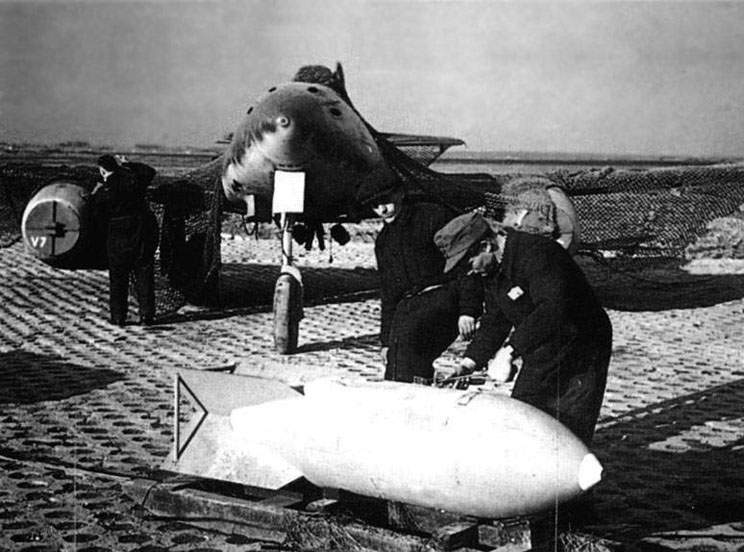 The Me-262 (V 303) with the 1000 kg bomb
