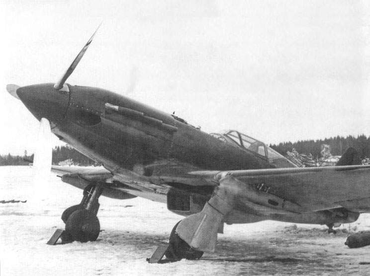 The MiG-3 with under wing machine guns BK, but without the mast of the antenna