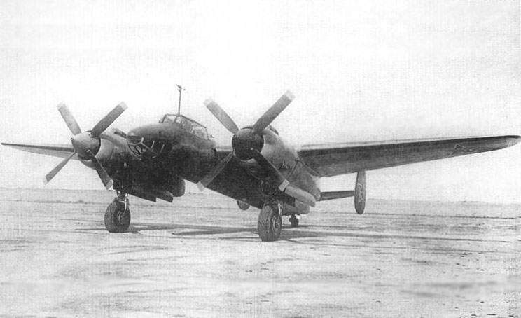 The Tu-2S with  the ASh-82FN on 166-st plant in Omsk at 1946