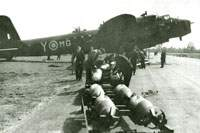 Bombing up N6073 of No. 7 Squadron, March 1942