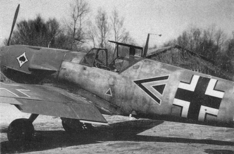 Bf 109F was flown by the Gruppenkommander of III./JG 53, Hpt Wolf-Dietrich Wilcke.