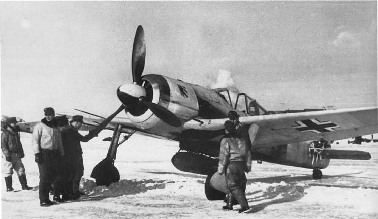 Fw 190 of I./JG 54 flown by both Hans-Joachim Kroschinski and Fritz Tegtmeier in late 1943.