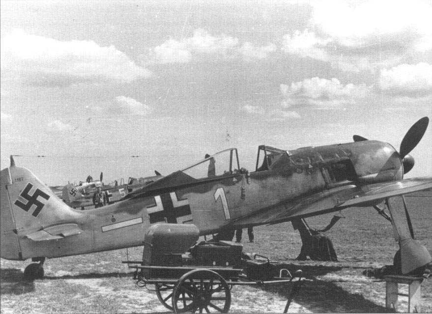 Fw 190A-4 of II./JG 26 (Werk Nr 1197), France, later 1942.