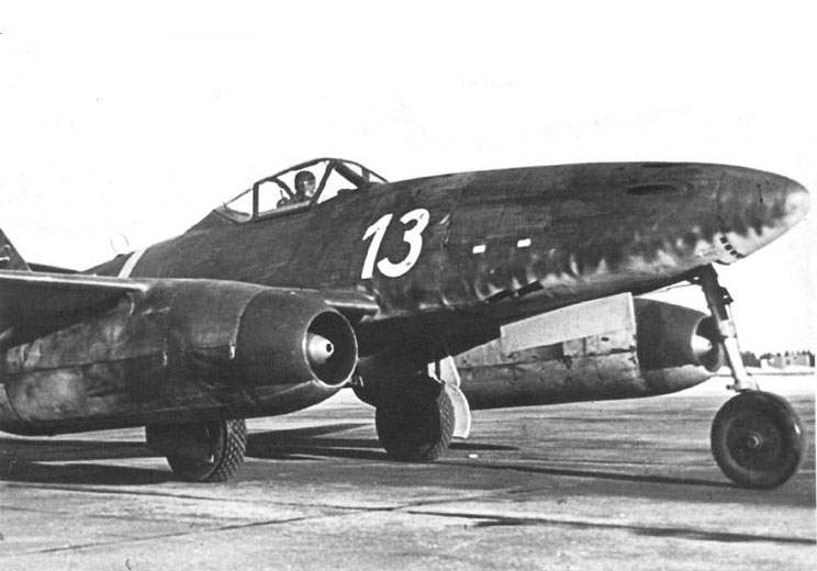 Me 262, W Nr 110522 of III./EJC 2, in the Spring of 1945 at Lechfeld.