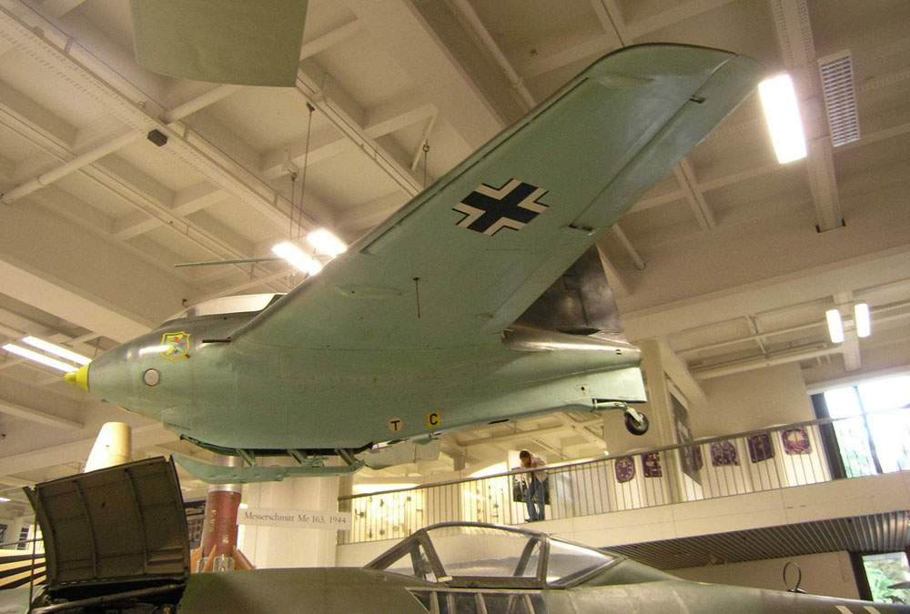 World aviation museum deutsches museum munchen me 163 for Munchen architekturmuseum