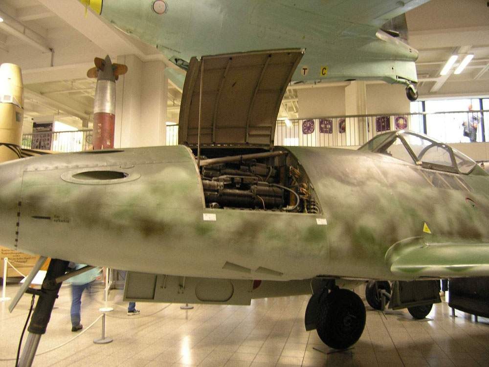 World aviation museum deutsches museum munchen me 262 for Munchen architekturmuseum