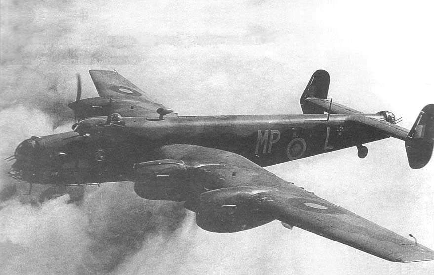 Halifax Mk I L9530/MP:L in flight