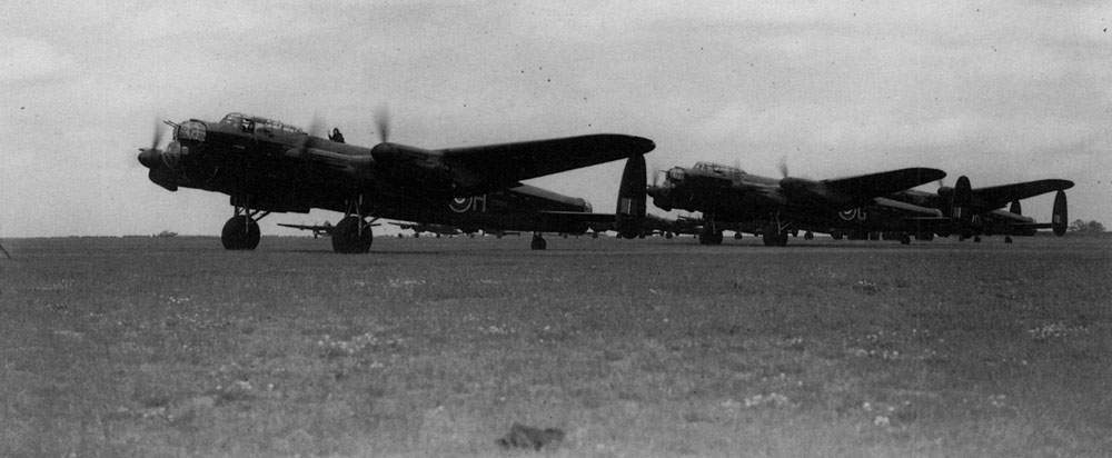 Lancasters of No 83 Squadron at Scampton, 25/26 June 1942