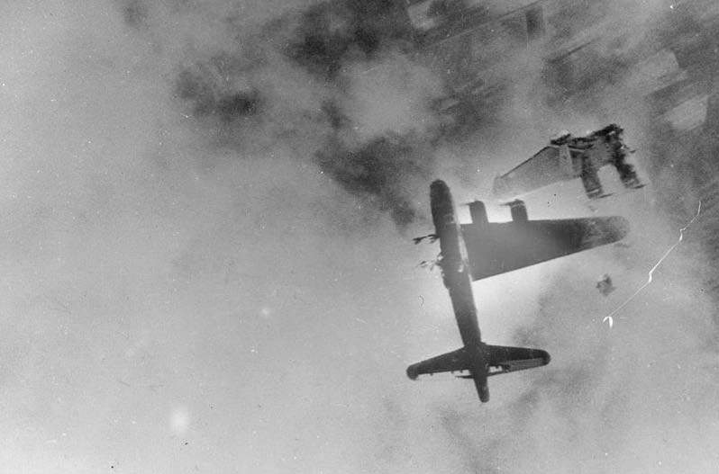 B-17G-15-BO 'Wee Willie' after direct flak hit